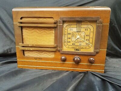 Antique RCA Victor radio - Wood cabinet - cool dial - Complete