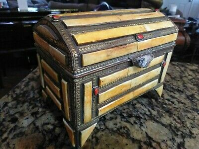 Vintage Inlay Bone / Coral / Granite Footed Chest Box