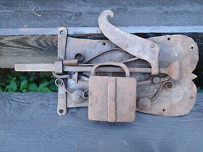 4.8 kg !! DADDY OF THE LOCKS !! ANTIQUE HUGE HANDFORGED LOCK FINLAND SCANDINAVIA