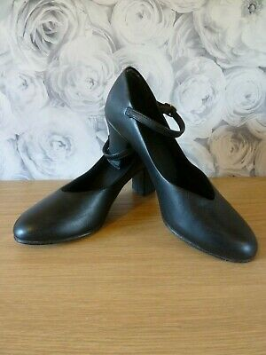 SO DANCA  black heeled shoes good condition - Size UK 4