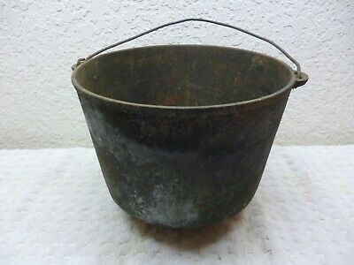 "Vtinage Cast Iron Gypsy/Cooking pot - 9.25"" w x 7.25"" h"