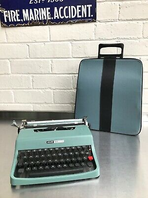 Vintage Olivetti Lettera 32 Great Working Condition