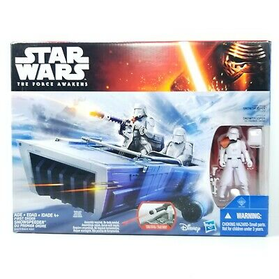 STAR WARS: The Force Awakens - First Order SNOWTROOPER Officer and SNOWSPEEDER