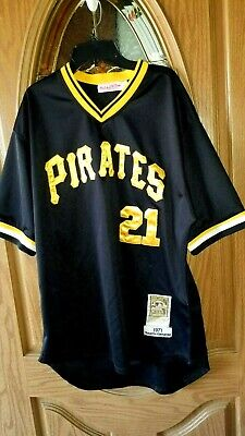 promo code 9fd7c 8a897 MITCHELL & NESS Cooperstown Collection Roberto Clemente ...