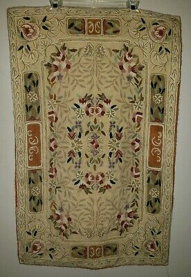 Beautiful vintage wool floral accent hooked rug Victorian beige wall hanging