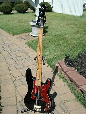 1970s YAKIMA BASS Guitar. P-Bass. BLACK. Maple Neck. 4 string Japan Korea fender