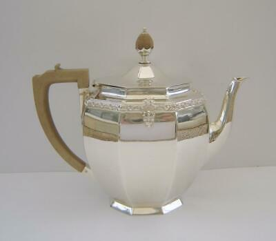 A Sterling Silver Teapot London 1938 Goldsmiths & Silversmiths Co 666 Grams