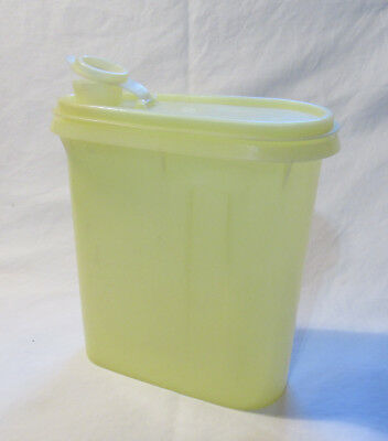 Vintage Tupperware Sunshine Yellow Buddy 1-Qt Pitcher Container No. 792-7 VGUC