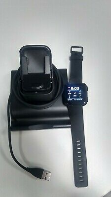 Fitbit Versa Smartwatch Black Aluminium Large with standup charger