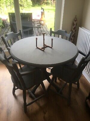 Solid Pine Pedestal Kitchen/Dining Table and 4 chairs