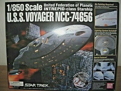 U.S.S. VOYAGER, NCC-74656, BAN DAI, 1/850, STAR TREK, NIB, LED Lights, Lackiert