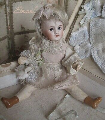 Lovely large french SFBJ mignonette with trousseau in Box , 7.5 inch beautiful!