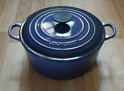 Genuine Le Creuset 24cm Cast Iron Round Blue Casserole Pot Pan Dish With Lid