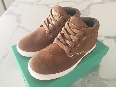 NEW BOX *2019* TAN Leather Boys CLARKS BOOTS Shoes 29 Rubber Sole RRP$89 Myer