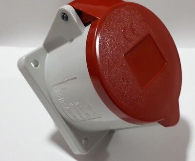 Mennekes IP44 Red Panel Mount 4P+E Industrial Power Socket, Rated At 32A, 400 V