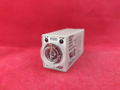 Omron H3Y 10 Minute Timer 110Vac New
