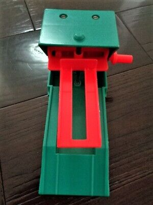 Vintage 1970 Fisher Price Play Family Little People 930 GARAGE GREASE LIFT RACK