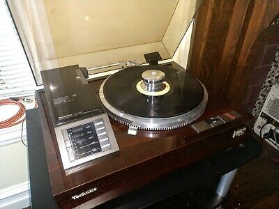 Technics linear tracking turntable Sl-M3 pristine