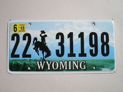 AUTHENTIC 2013 WYOMING LICENSE PLATE (Flat style / Non emboutie)