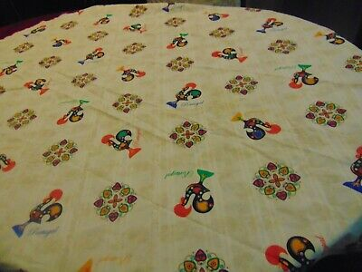 """Vintage Portugal Good Luck Rooster 60"""" Round Cotton Tablecloth Scalloped Edge"""