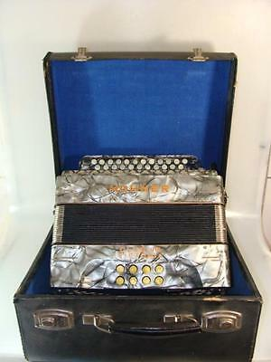 Accordion Hohner Club Iib Victoria Pearl Blue Works with Suitcase 20. Century