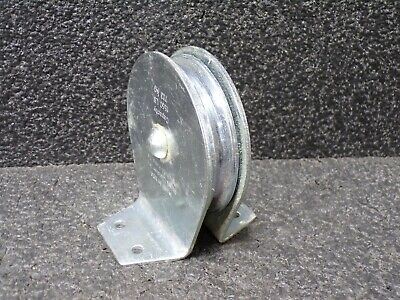 "3.5"" Flat mount pulley block, 1,500 lbs. 3/8"" cable"