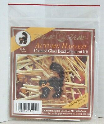 Mill Hill Counted Glass Bead Ornament Kit - Autumn Harvest Black Cat - Mhah2