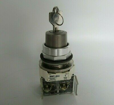 Allen-Bradley Key Switch with 800T-XD3 Contact Cat. 800T-H33 Ser T
