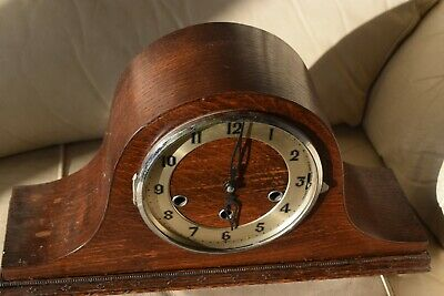 Vintage Oak  Westminster  & Whittington  Chimes  Mantle Clock For Restoration
