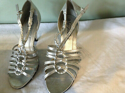 Silver Sandals/Shoes Size 6 - Great For Party/ Cruise/Evening Wear-