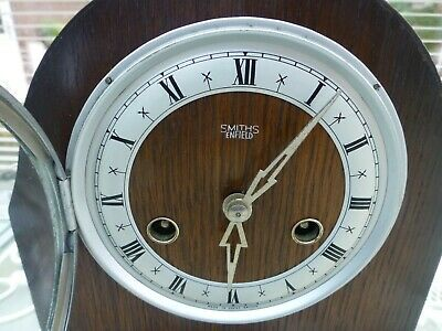 Smiths Enfield 8 day mantel clock in excellent condition & small in proportion