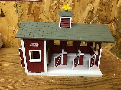 BREYER ANIMAL CREATIONS Red & White Toy Barn Stable