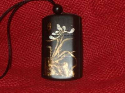 netsuke woman Makie Wooden Lacquer Inro Japanese antique vintage