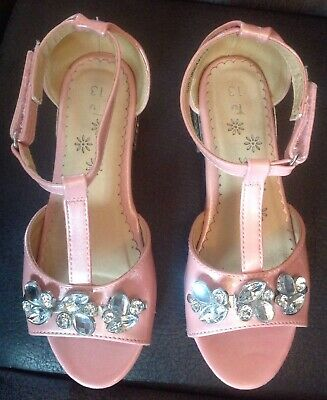 Girls Tu Size 13 Pink Smart Faux Leather Pretty Pink With Shiny Gemstones Shoes