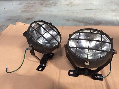 Work lights for recovery vehicle