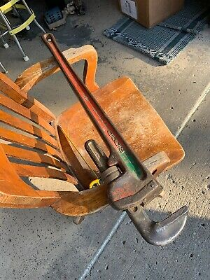 """Ridgid 36"""" Inch Heavy Duty Pipe Wrench Made in USA vintage  (001"""
