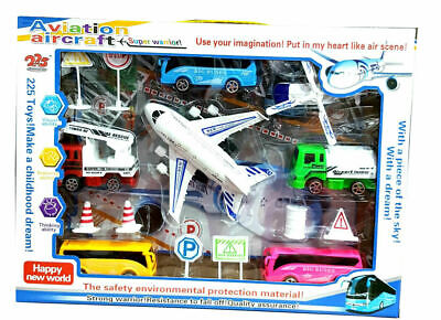 """Airport Play Set Delta Airlines /""""New Color/"""" 13 Pieces"""