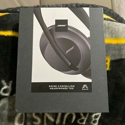 Bose Noise Cancelling Headphones 700 - Black - Lightly used - Well reviewed