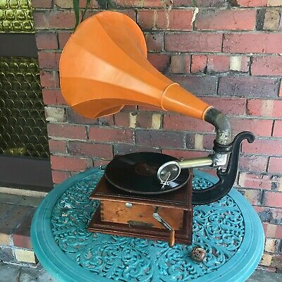 Antique Good French Pathe Horn Phonograph 2 Reproducers Records & Needles.