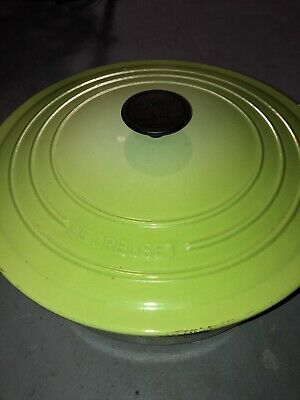 Le Creuset Dutch Oven 22 Lime Green - Enameled Cast Iron - with Lid