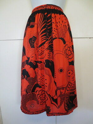 RETRO VINTAGE 1970s SKIRT KNEE LENGTH S8 RED BLACK MOD FLORAL FABRIC A LINE