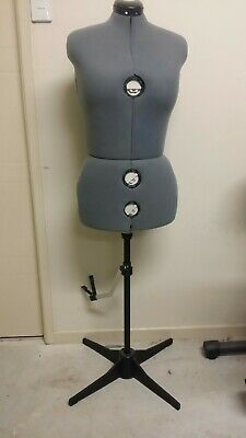 Adjustable Dressmakers Mannequin Sz 16-22 with Hemming Aid