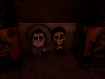 COCO Mystery Minis - Toys R Us Exclusives GLOW IN THE DARK Imelda  Ernesto