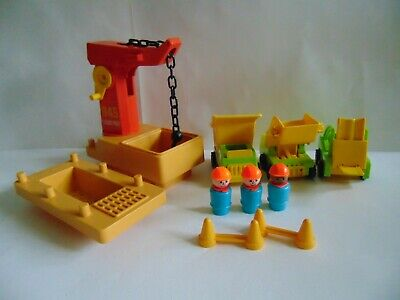 🚧 Vntg Fisher Price Little People Construction Lot w/ Workers,Trucks, Forklift