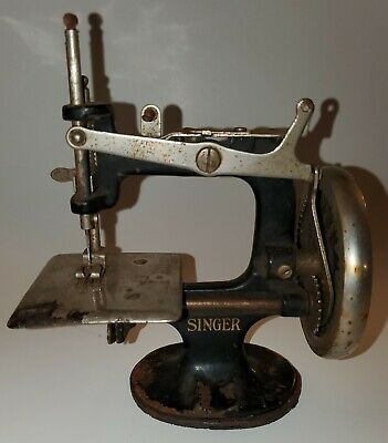 Antique Singer Sewhandy Child's Sewing Machine