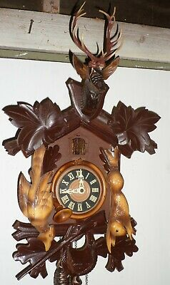 Very Nice Large Working Old German Black Forest Carved Hunter Deer Cuckoo Clock!