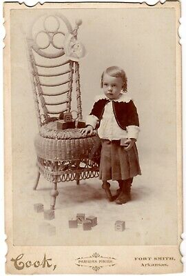 ADORABLE! Antique 1880s CABINET CARD PHOTO of CUTE CHILD with TOY WOODEN BLOCKS!
