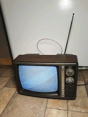 Vintage Sears Solid State Television 1982 Model# 401