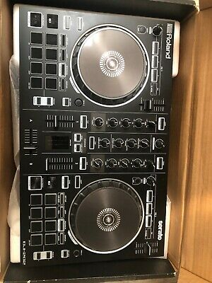 Roland DJ-202 4-deck Serato DJ Controller with Drum Machine