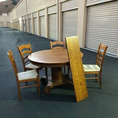Antique Expandable Dining Table with Scrolled Feet